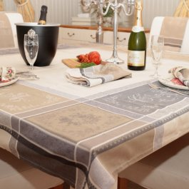 Tablecloth Jacquard Romantique, 160 x 160 cm