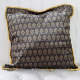 Pillowcase Royal, black/golden 50 x 50 cm
