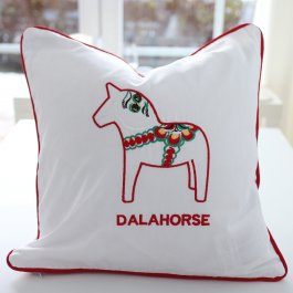 Pillowcase Dalahäst white/red, 40 x 40 cm
