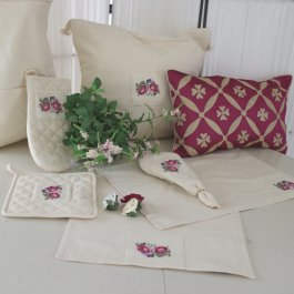 Runner Shabby Rose Offwhite, available in 2 sizes