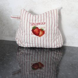 Toiletry bag Strawberry, 26 x 30 cm