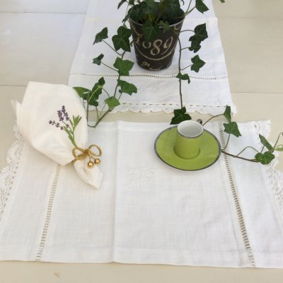 Placemat Nora with hemstitches, 35 x 48 cm