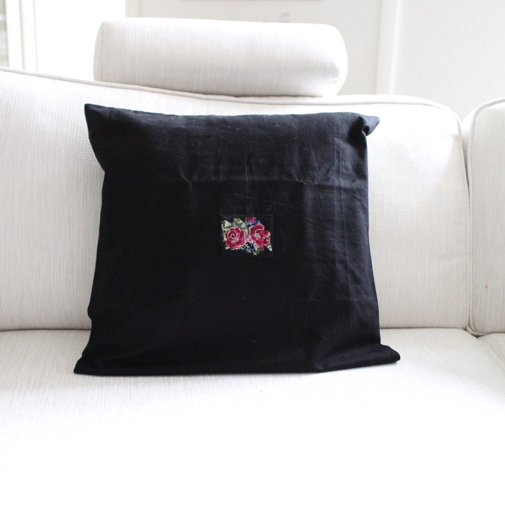 Pillowcase Shabby Rose Black, 50 x 50 cm